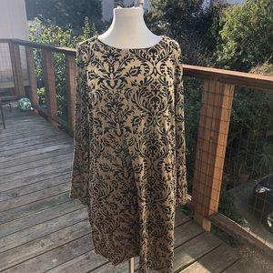 eci Gold & Black Paisley Velvet Bell Sleeve Dress
